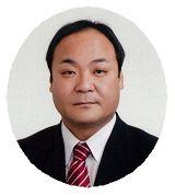 委員長 花田健吉